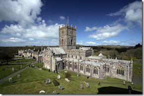 St_David's_Cathedral_and_Bishop's_Palace_-_geograph.org.uk