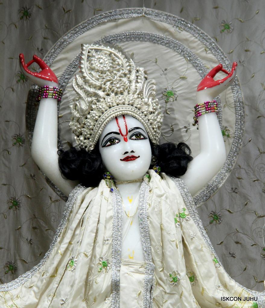 ISKCON Juhu Mangal Deity Darshan on 8th Sep 2016 (36)