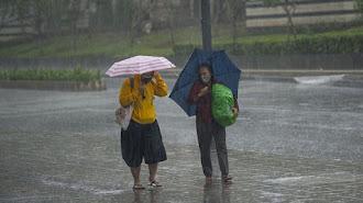 Waspadai Hujan Lebat dan Petir Diprediksi Bakal Melanda Jabar