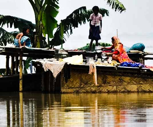 flood affected peoples in Bangladesh