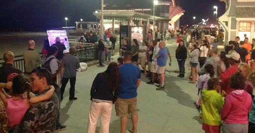 Lots of people listen to Eric share the message of salvation!