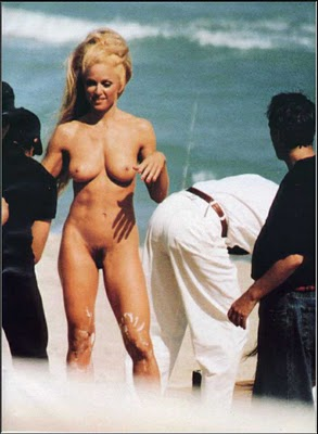 hollywood actress in nude beach