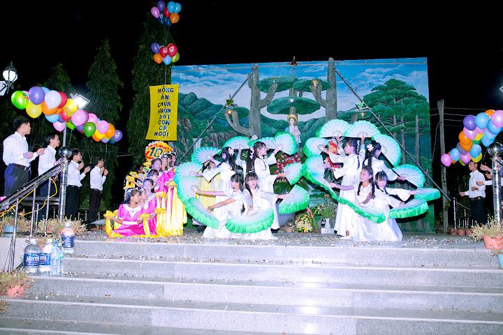 Hình ảnh thánh lễ kính Đức Mẹ tại Giáo xứ Phú Phong