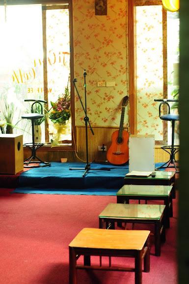 Tigon Coffee - Cafe CLB T.Anh, Sách Và Âm Nhạc