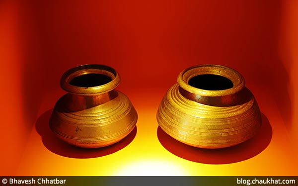Antique vessels of Savya Rasa [Koregaon Park, Pune]