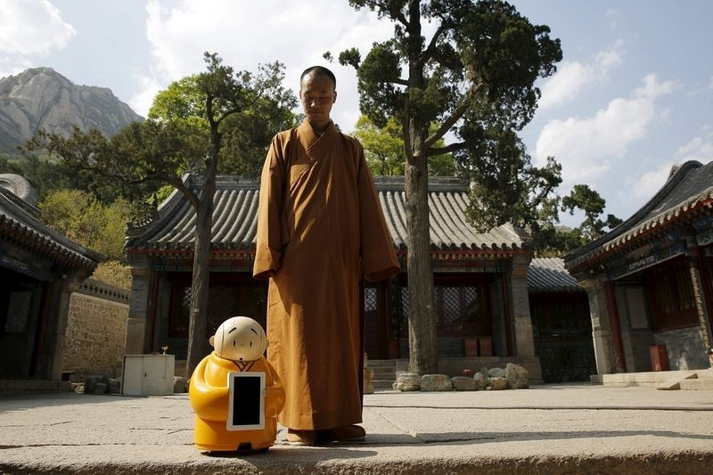 robot-monk-2