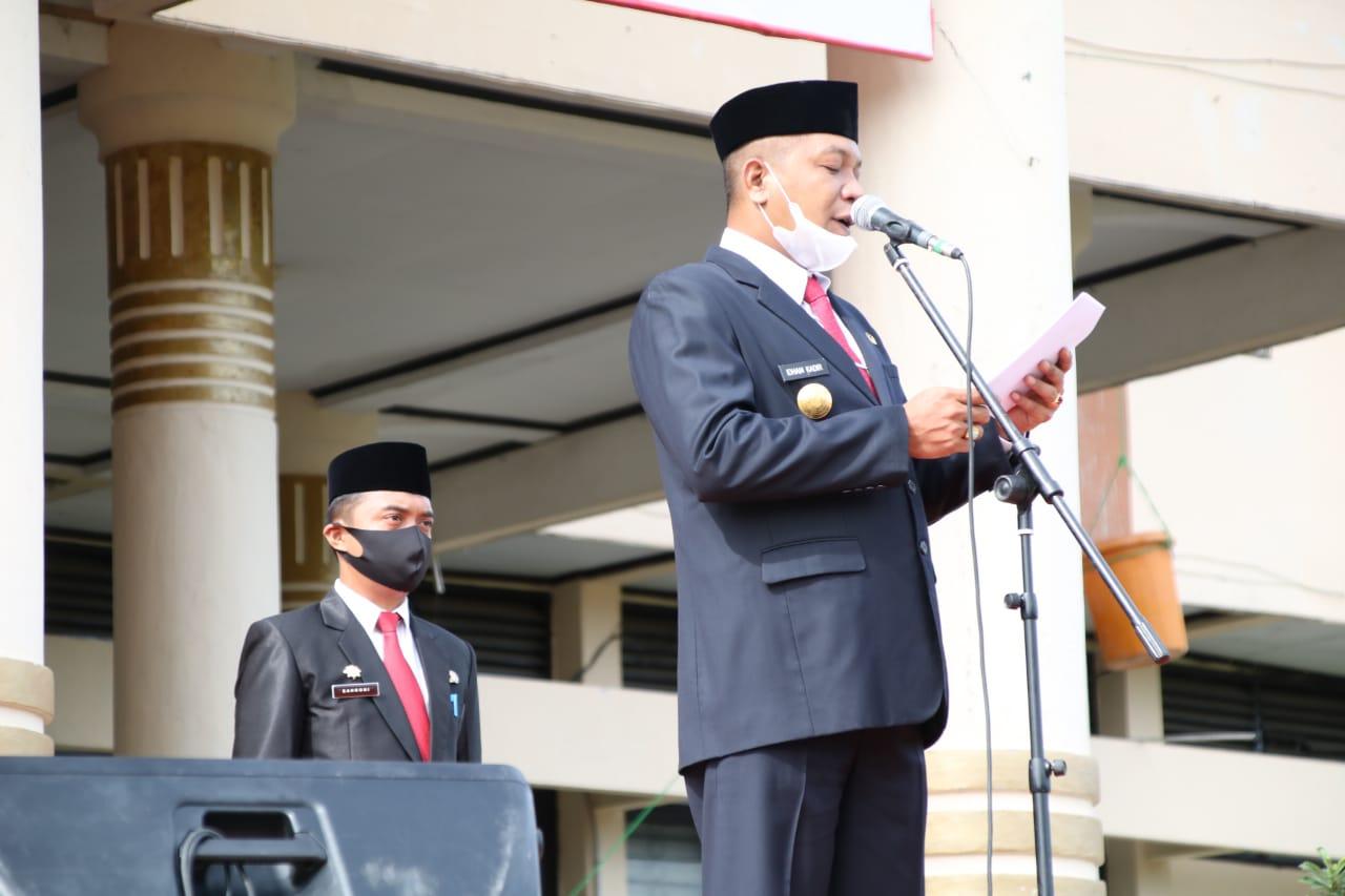 Pjs Bupati Soppeng Sebagai Inspektur Upacara di Hari Ulang Tahun PGRI dan Hari Guru Nasional