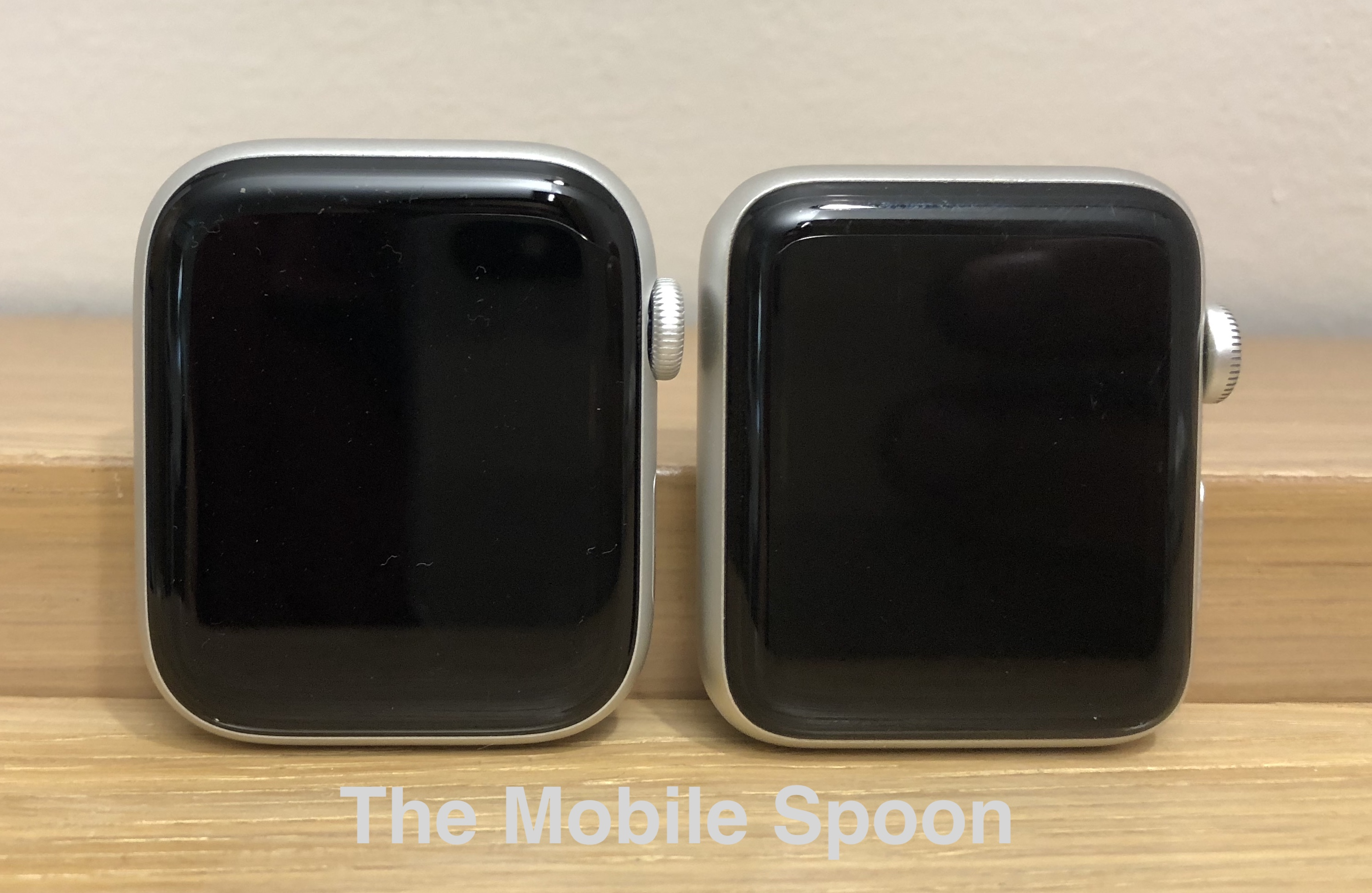 Apple Watch 44mm vs. Apple Watch 42mm - Comparison