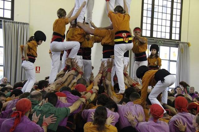 Diada Sagals dOsona 2011 01 - 100000832616908_735251.jpg
