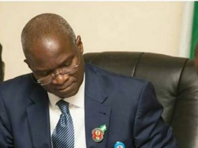 Breaking: Fashola tenders unreserved apology to Reps