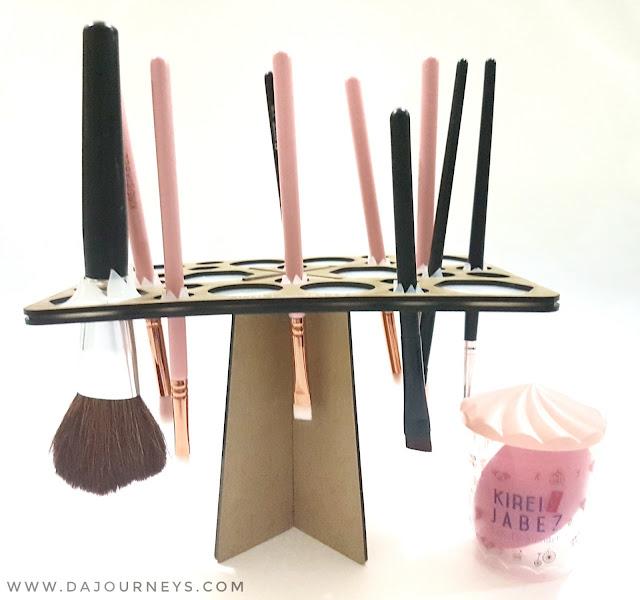 Kirei Jabez Brush Hanger  – Makeup Tree