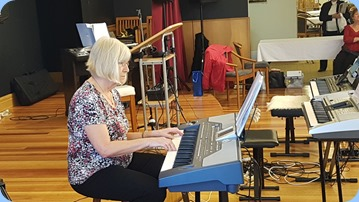 Fairview Lifestyle Village resident, Mary Barrett, playing her Korg Pa800.