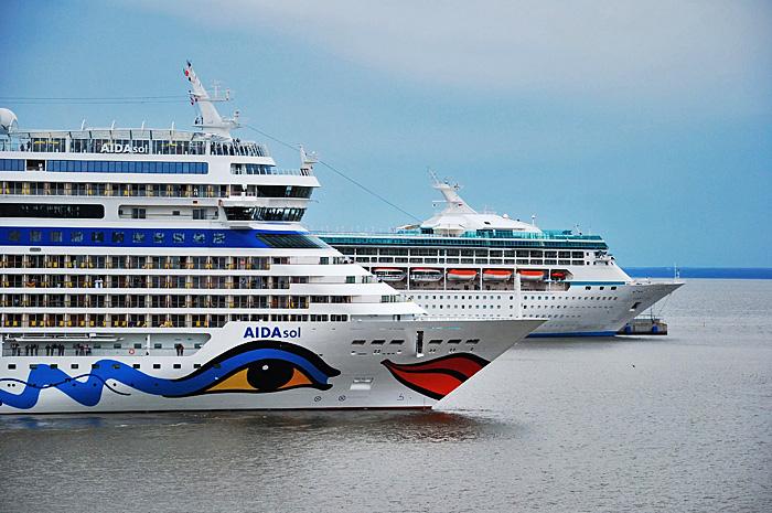 FerryHelsinki08.JPG