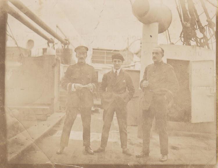El Sr. Julian Oslé Fuente. Fotografia hecha por el mayordomo durante el viaje de ida de Cadiz a Nueva York. Archivo Documental de Julián Oslé Muñoz.jpg