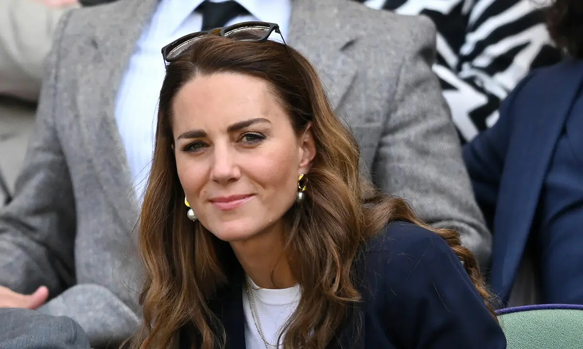 Kate Middleton Self-isolating at Home After Coming Into Contact with COVID Sufferer