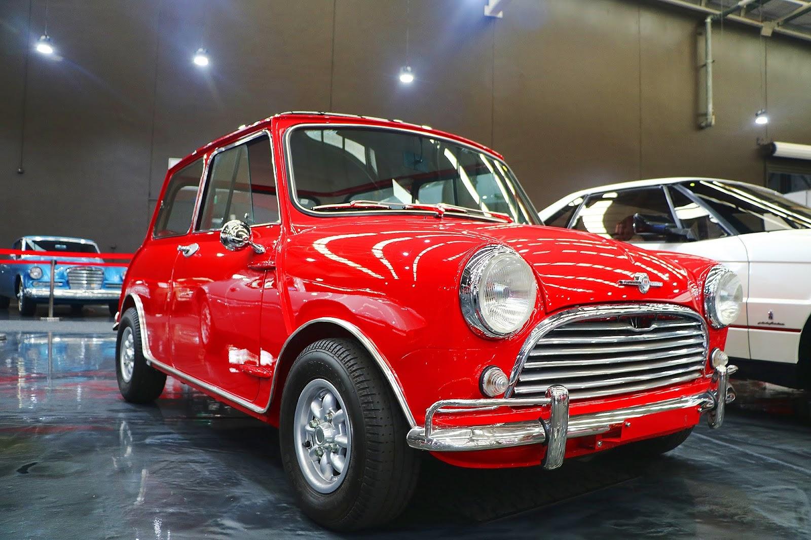 1963 Morris Mini Cooper MK I (03).jpg