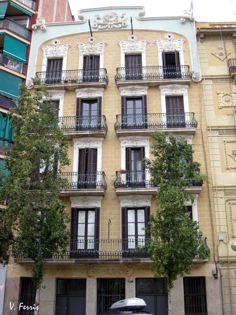 Casa pedro m ribera maria peris barcelona modernista - Casa modernista barcelona ...