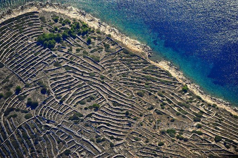 croatia-dry-stone-walls-9