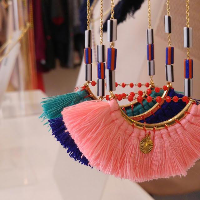 Collier surprenant, bijoux textiles, boutique montparnasse