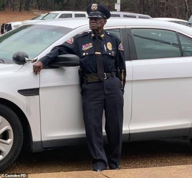 Meet the 91-year-old police officer who says he'll only retire 'when the good Lord says so' (photos)