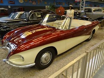 2017.10.23-067 Peugeot Radovitch 403 1958