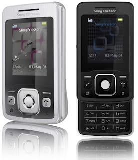 Sony Ericsson T303 has slider mechanism