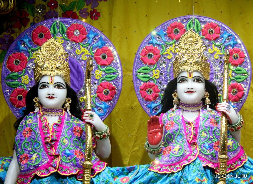 ISKCON Juhu Mangal Deity Darshan on 10th July 2016 (10)