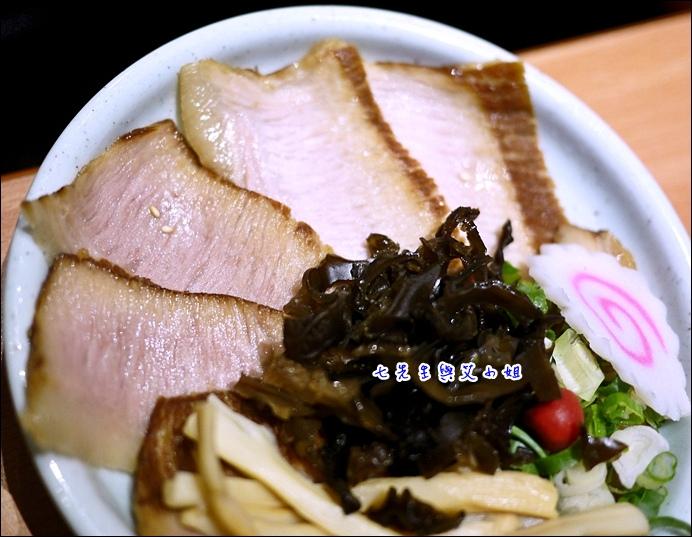 17 豬頰肉與配料