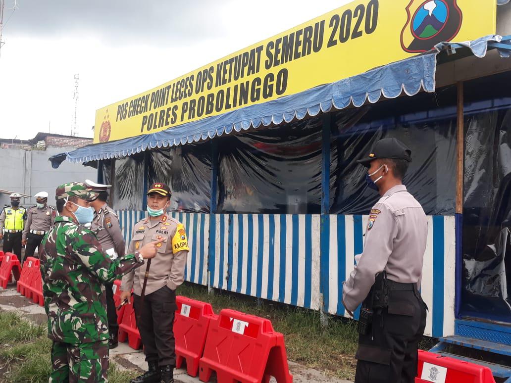 Dandim 0820/Probolinggo Dampingi Kapolres Probolinggo Cek Posko Mudik dan Covid -19