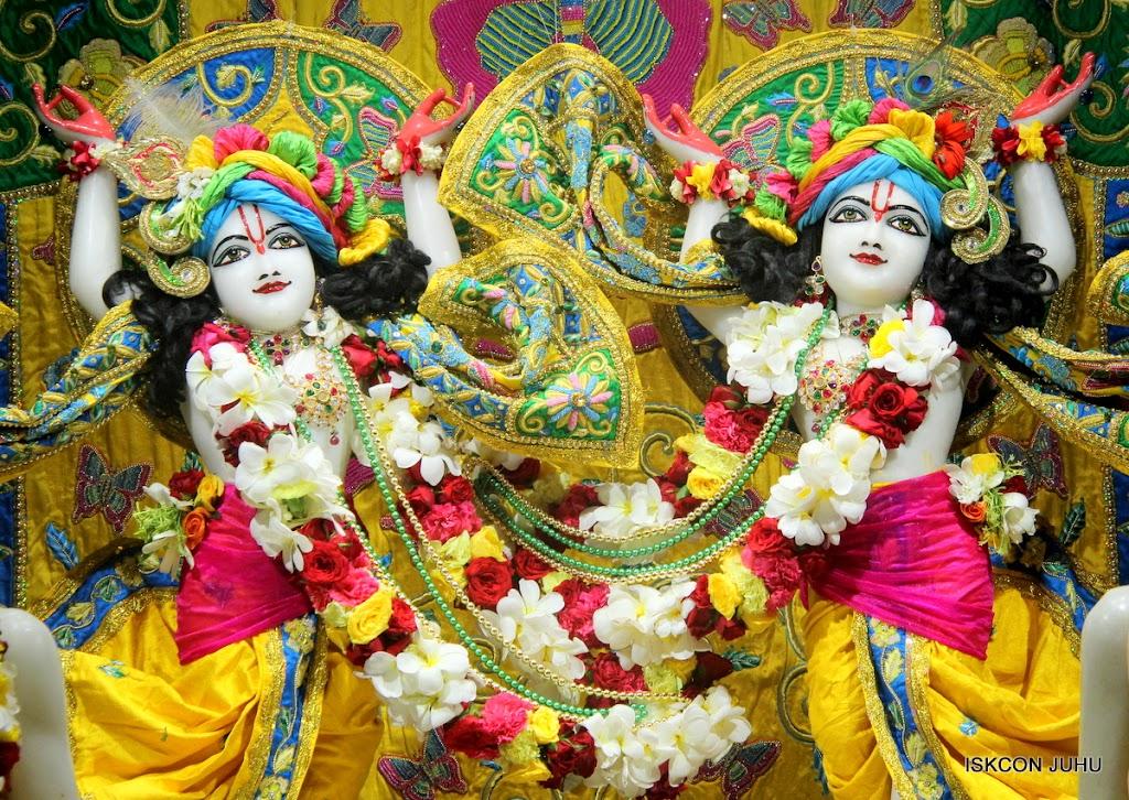 ISKCON Juhu Sringar Deity Darshan on 26th June 2016 (41)