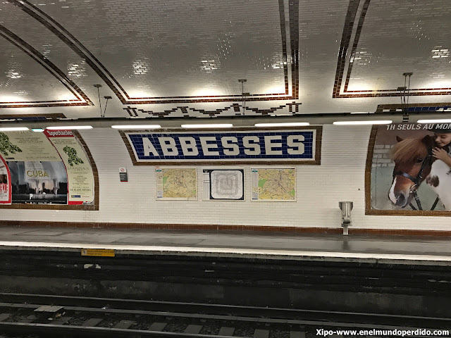 metro-abbesses-paris.JPG