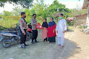 Personil Polsek Baebunta, Bagikan 20 Paket Sembako Untuk Korban Banjir