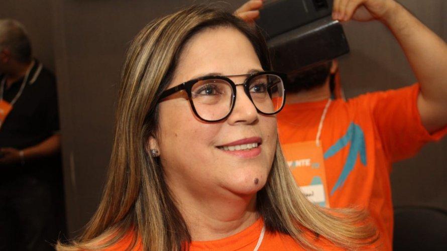 """Entrar na política é """"um meio de testemunhar a minha fé"""", diz candidata em Curitiba"""
