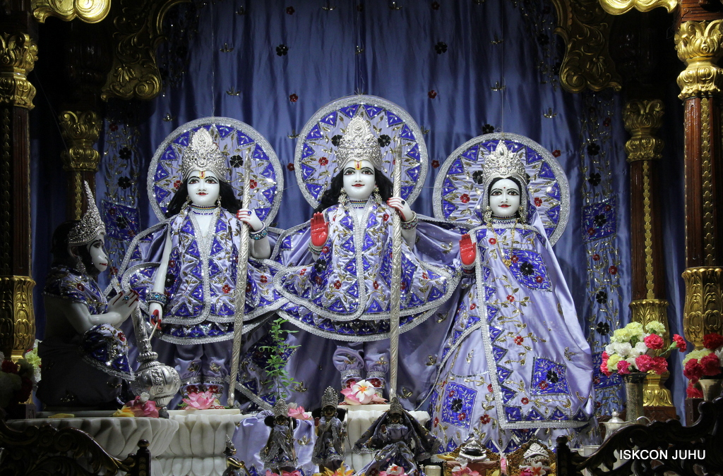 ISKCON Juhu Mangal Deity Darshan on 29th Sep 2016 (4)