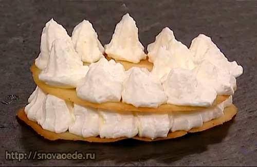 Пирожное слоеное