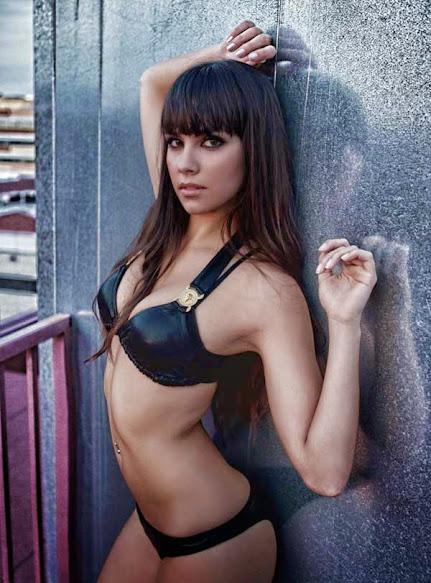 Cristina Pedroche desnuda y elegante