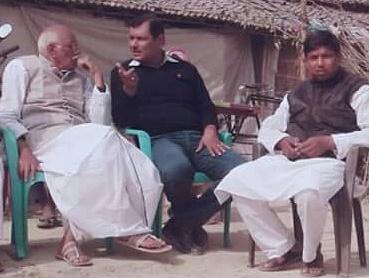 मीनापुर: पूर्व मंत्री के साथ