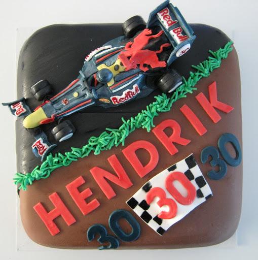 962-Red Bull racewagen taart.JPG