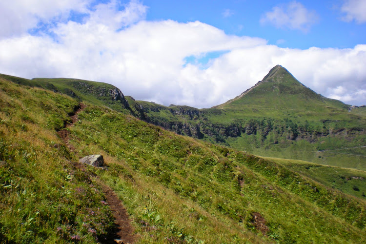 Le Cantal à pied - Le Puy Mary et la Brèche de Rolland