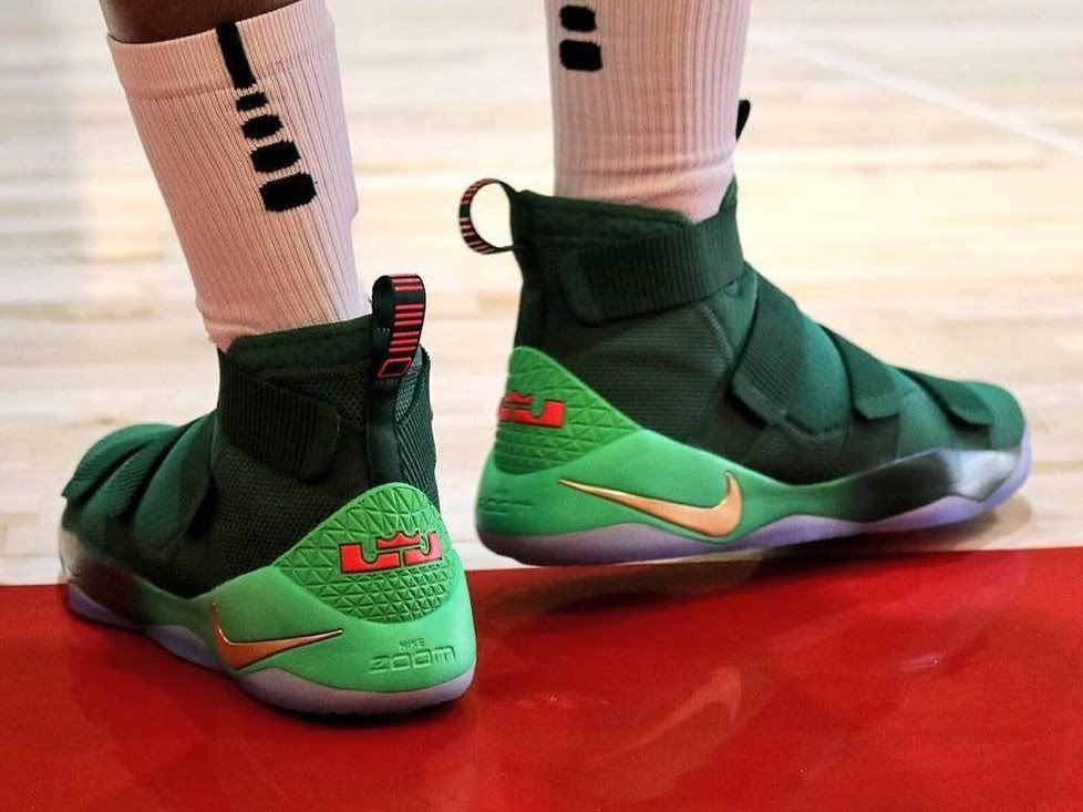 Christmas Shoe.Christmas Nike Lebron Lebron James Shoes