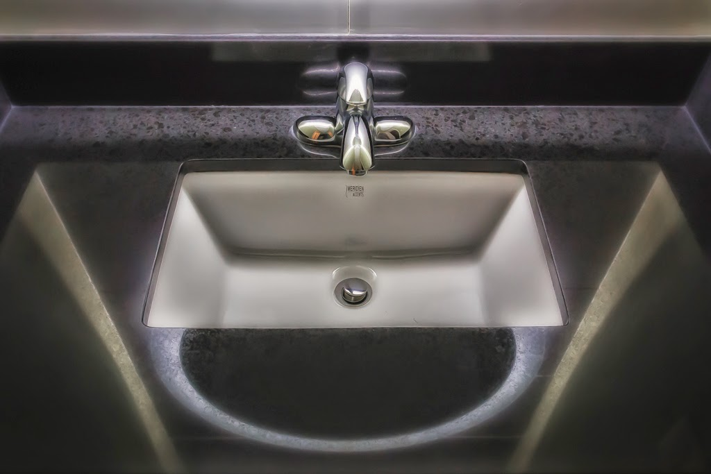"""Sink"" by Roy Kropp -- 1st Place Print"