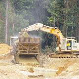 Orpaillage. Crique Tortue, près de Saut Athanase (Guyane). 22 novembre 2011. Photo : J.-M. Gayman