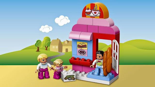 Các nhân vật và phụ kiện của bộ Lego Duplo 10587 Quán Cafe giải khát
