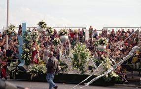2001.02.24-141.17 bataille des fleurs