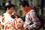A Kyoto, une jeune maman japonaise perpétue l'image d'un pays aux traditions millénaires
