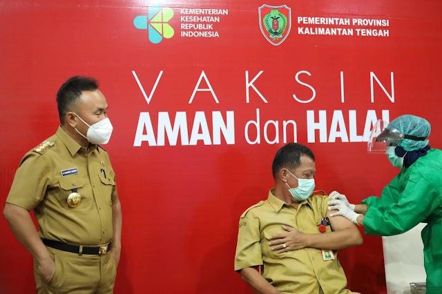 Aman dan Halal, Gubernur Sugianto Ajak Warga tak Takut Divaksin