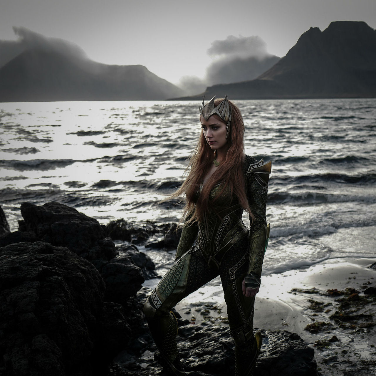 Amber Heard stars as Mera in JUSTICE LEAGUE. (Photo courtesy of Warner Bros. Pictures & DC Comics).