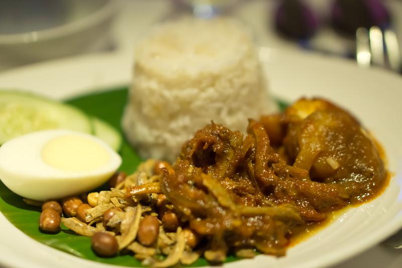 マレーシア航空 ビジネスクラス 機内食 朝食 ナシレマ