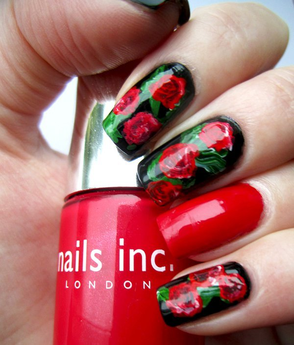 CREATIVE AND CLASSICALLY SEXY NAIL ART CREATIONS