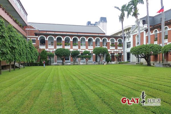 台中州廳是日治時期官廳建築類型的大型作表作,設計仿法國馬薩風格,假日開放參觀。.jpg